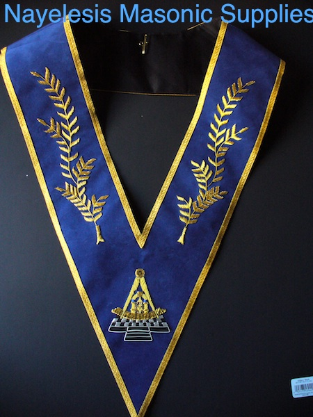 Past Master Blue Velvet Collar Golden Bullion